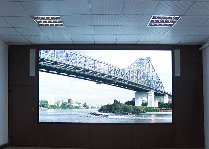 P2.5 Indoor Advertising Led Display Screen For Studio , Strong And Stable Cabinet